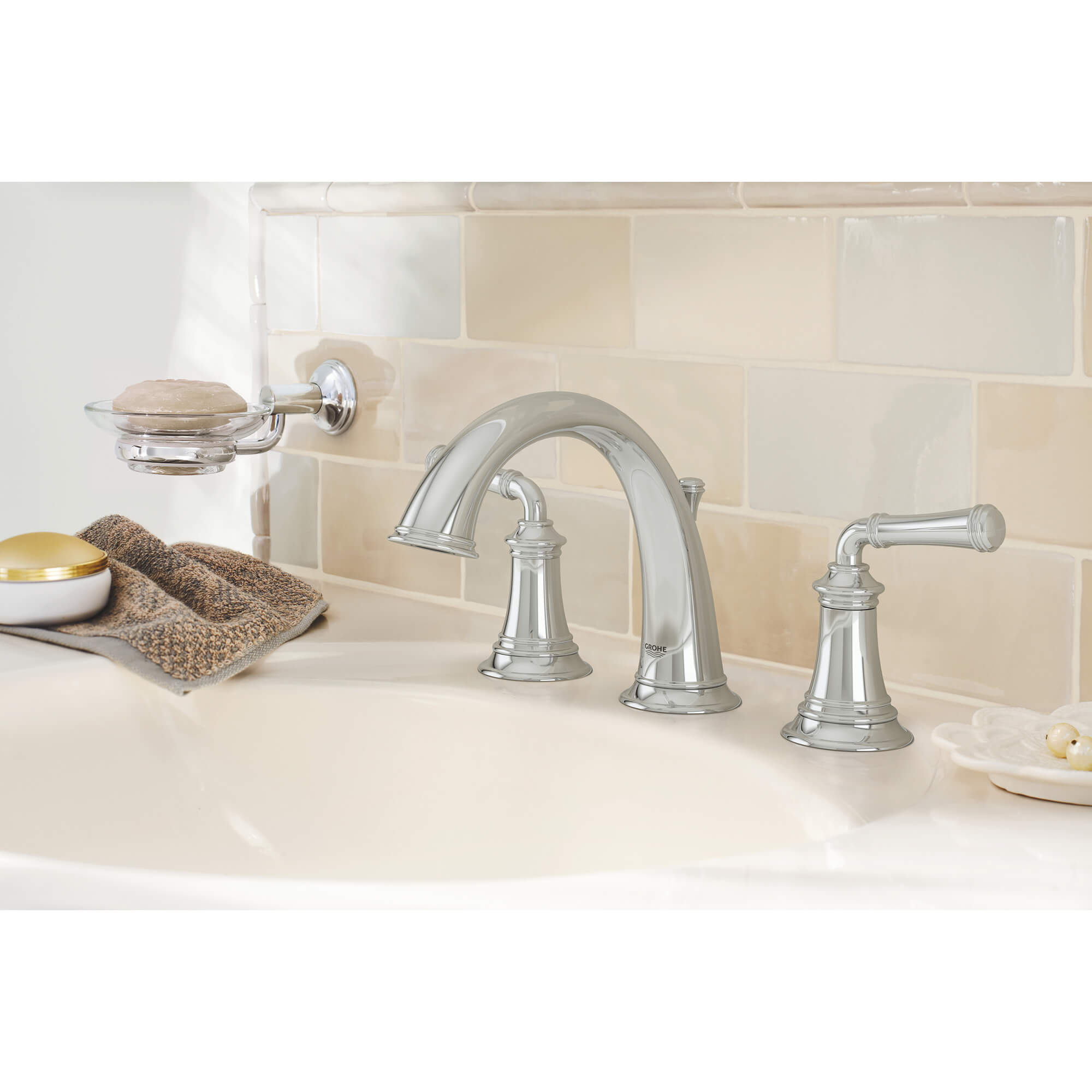 Gloucester 8 Inch Wideset Lavatory Faucet